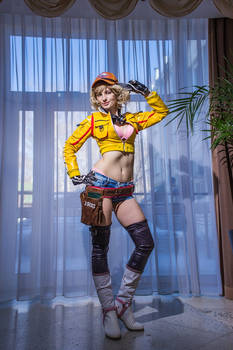 Cindy Aurum Final Fantasy XV Cosplay