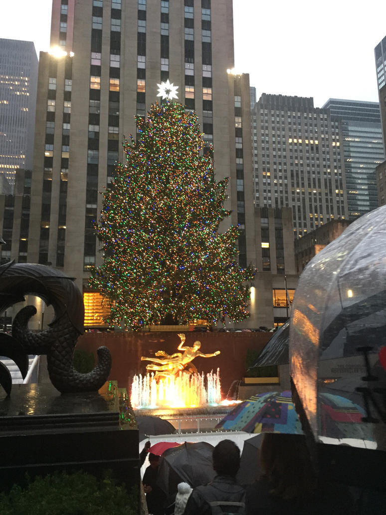 Christmastime in NYC (with rain) by Culinary-Alchemist on DeviantArt