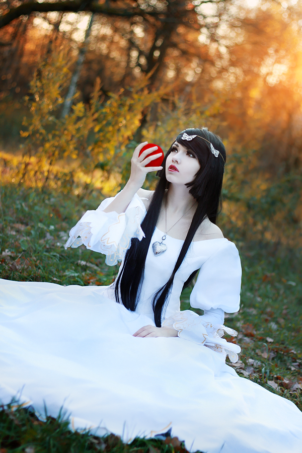 Snow White by YuuGray