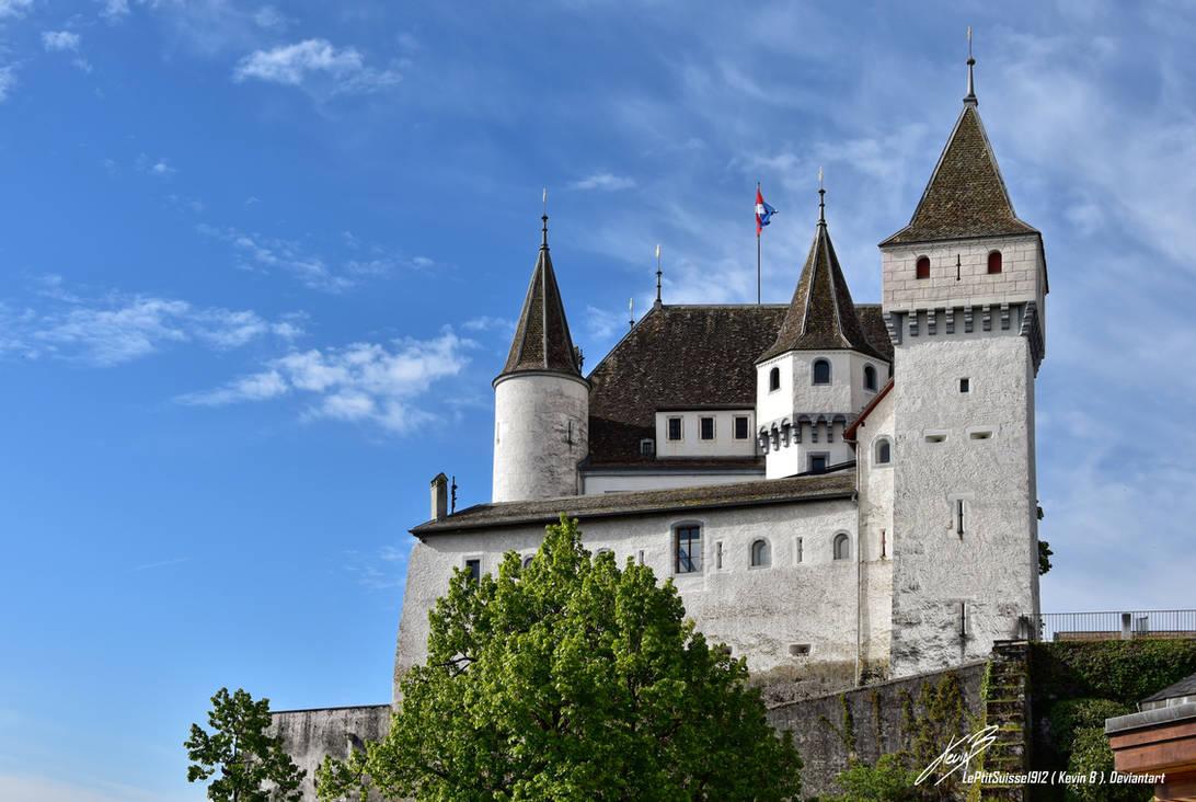 le Chateau de Nyon vue de Profile by LePtitSuisse1912