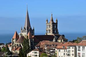 Cathedrale de Lausanne avec le Lac Leman