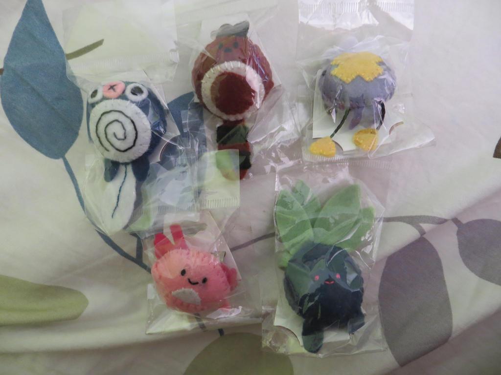 Pokemon Felt Buttons by PheiChi