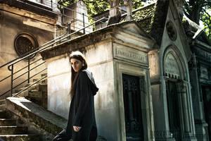 Graveyard: Crawling up the stairs by Vanderstorme