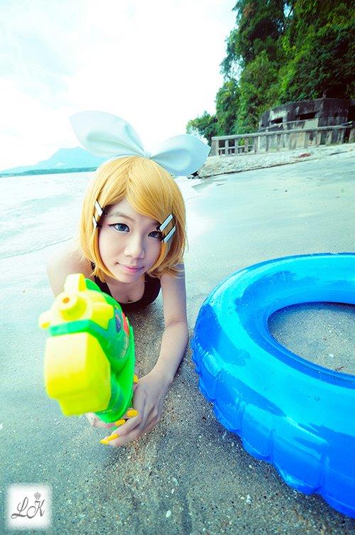 kagamine Rin summer by KoromoFujiwara