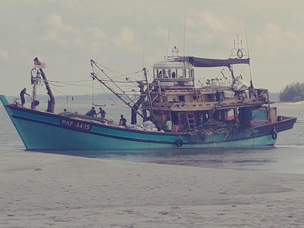 Nelayan by syaqirachantek