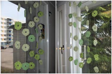 Crochet hangings by Riibu