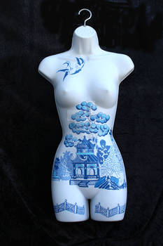 Willow Pattern Mannequin