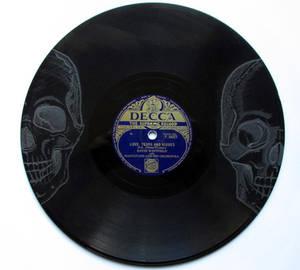 Twin Skull Etching on Vinyl