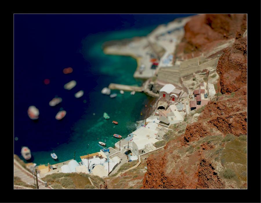 Tilt Shift - Santorini Harbour by johnnytourettes