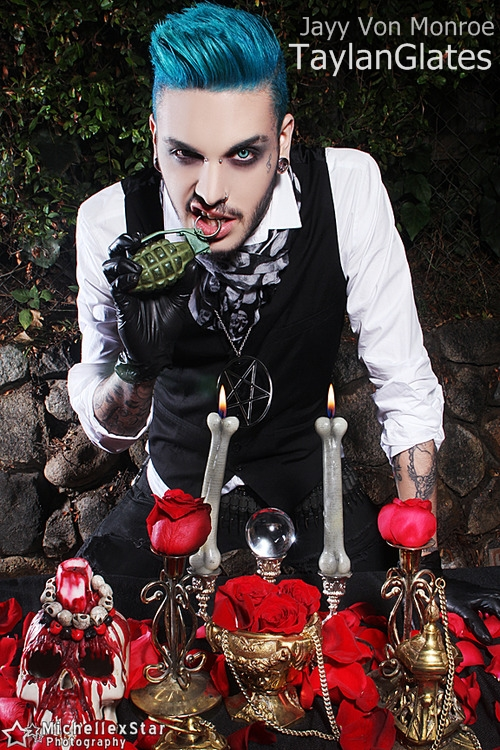 who is jayy von monroe dating 2014 So where do we begin with dahvie vanity accusations of inappropriate and illegal behavior date back years, and yet the guy never seems to receive punishment he was arrested back in 2009 for the alleged statutory rape of a 15 year old girl, but she was bullied and pressured into retracting her.