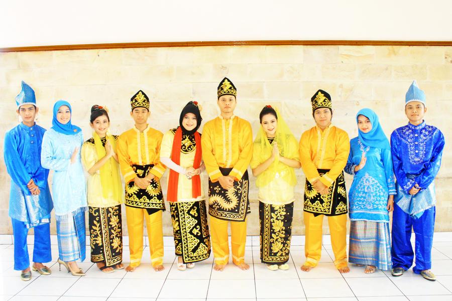 Pakaian Adat Banjarmasin by wmfoto