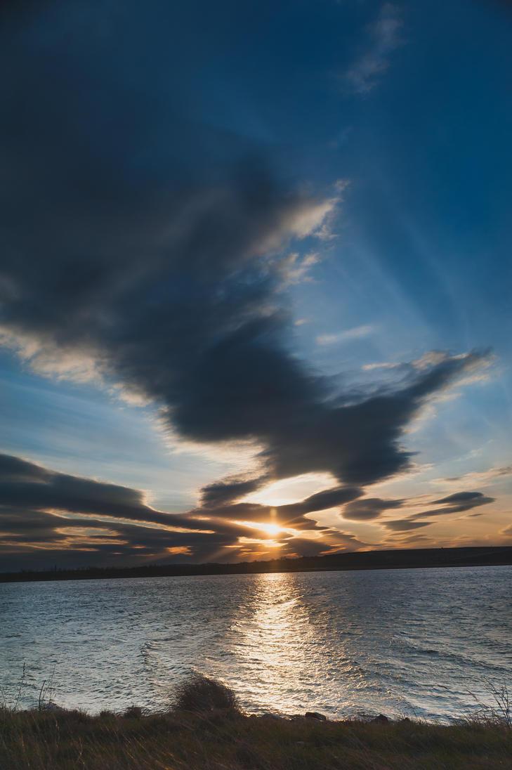 Sun Set by MadManTnT