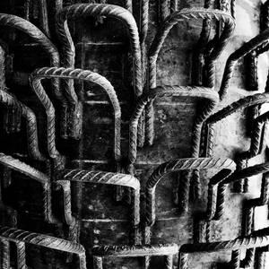 Metal palm trunk