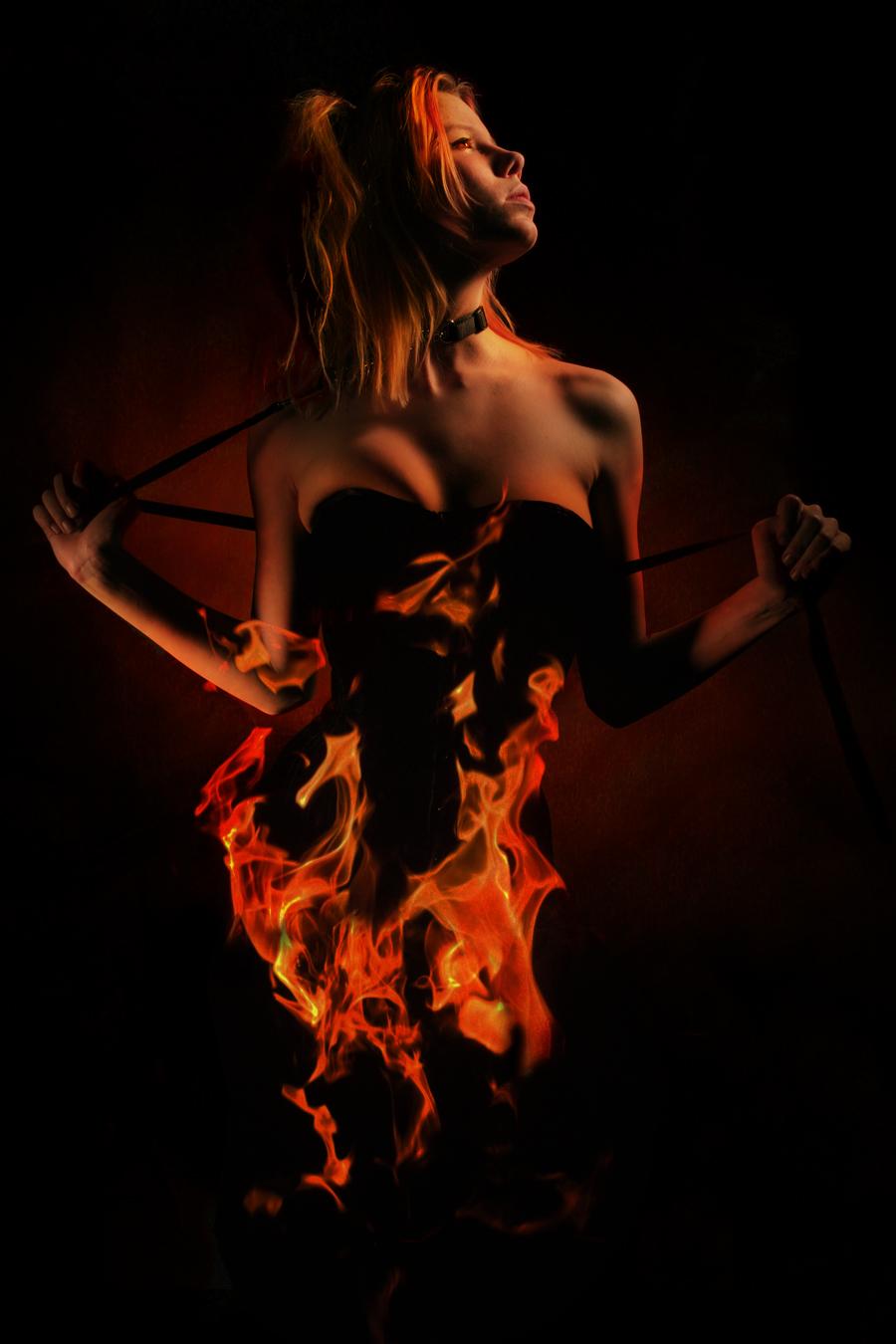 Elle Est En FEu :D dans Sexy It__s_a_fire_by_Wintersouls