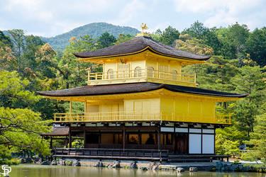 Kinkaku-ji (golden temple) Kyoto by kachakou