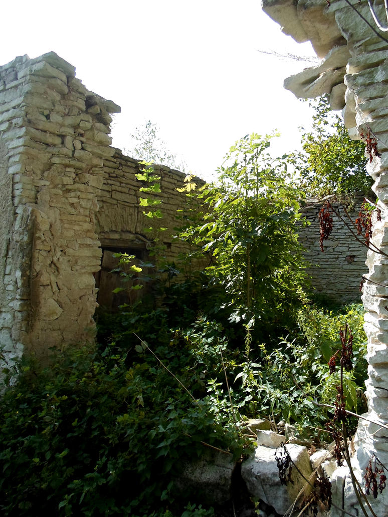 Ruins in Kirna 3 by MASYON