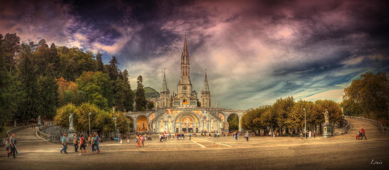 The sanctuary by Louis-photos