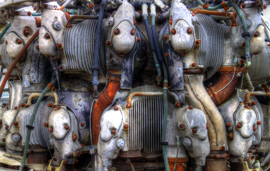 Aircraft engine by Louis-photos