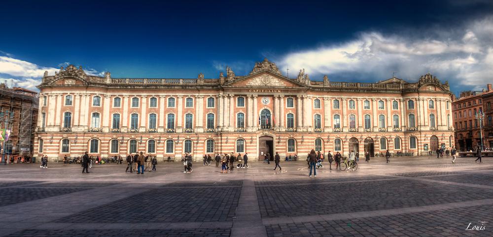 Toulouse - place du Capitole by Louis-photos