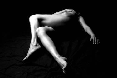 nude in dark by arberesha