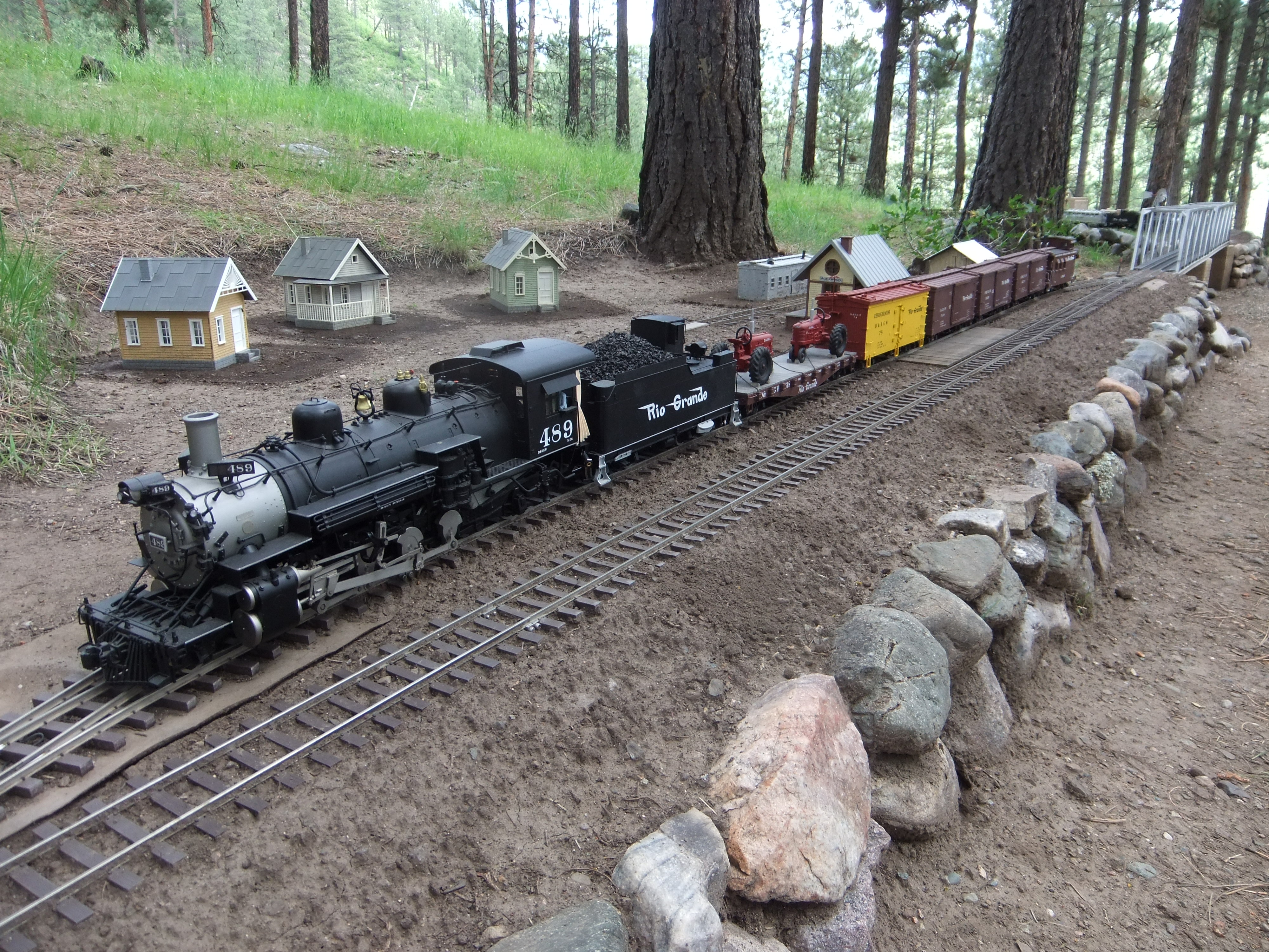 Christmas Train Survey Model Railroader Magazine Two Circuits Railroading Link To Large Image