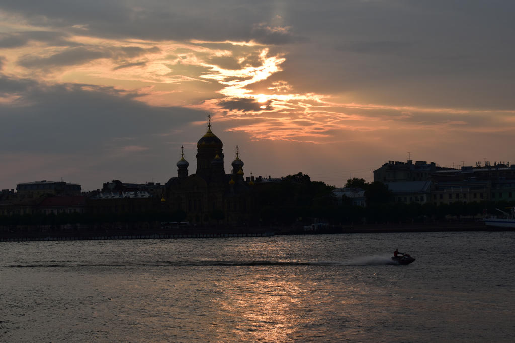 Sunset over Neva by jajafilm