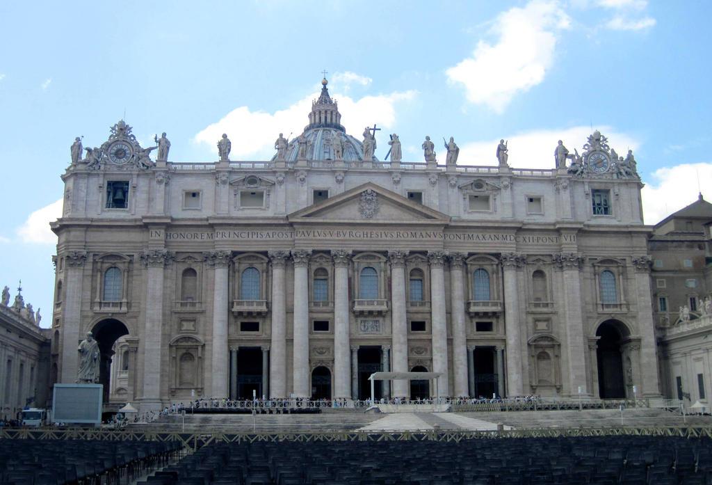 St. Peter's Basilica by jajafilm