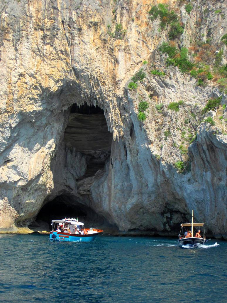 Cave by jajafilm