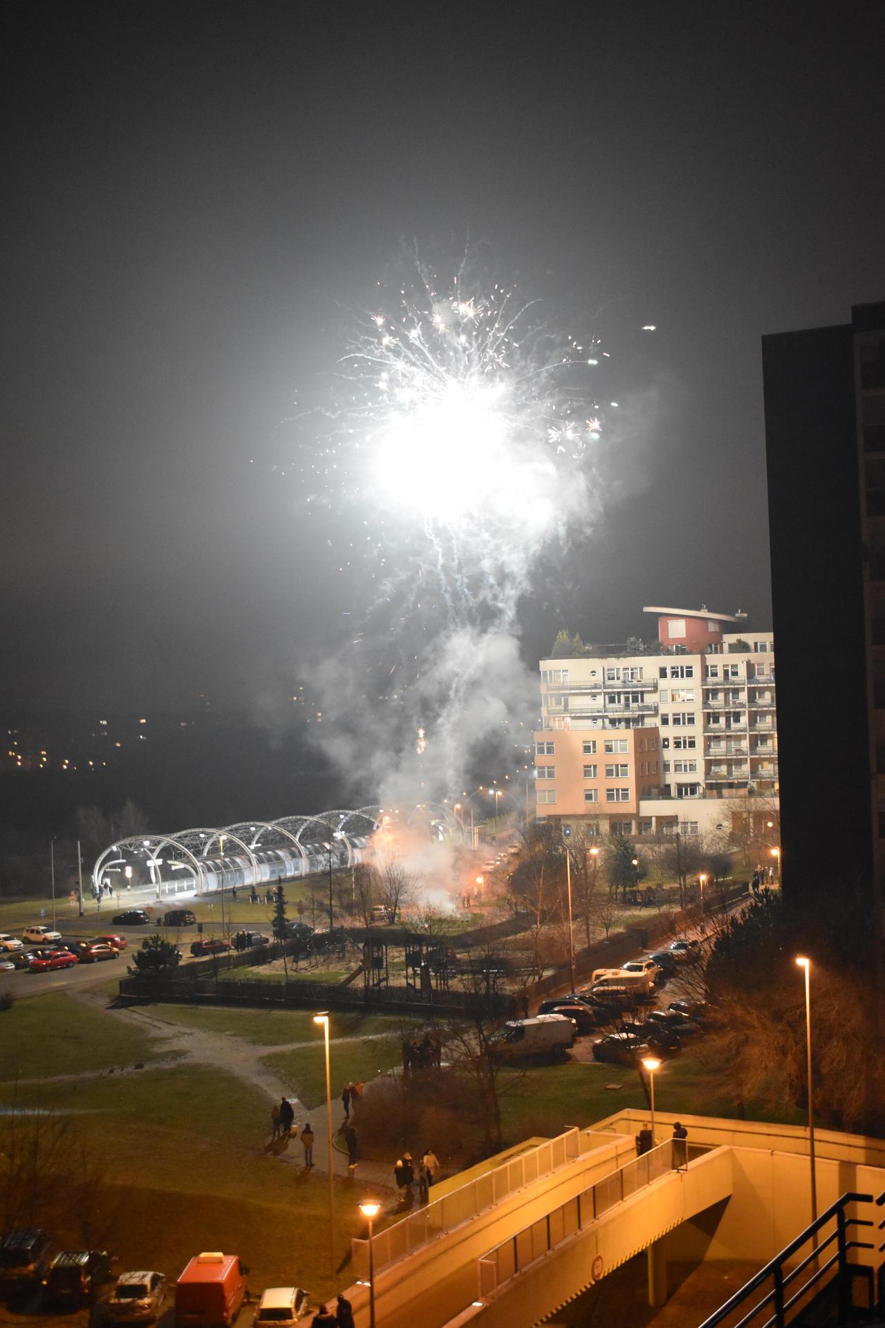 Fireworks 02 by jajafilm