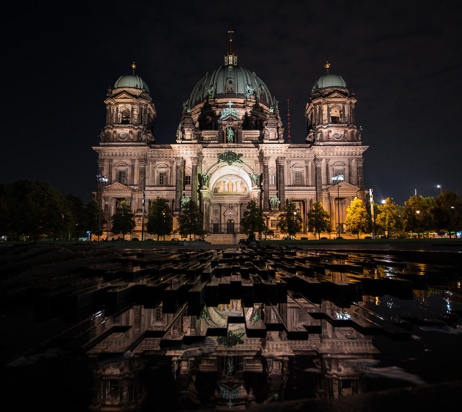 Berliner Dom reflections by LuckyLisp
