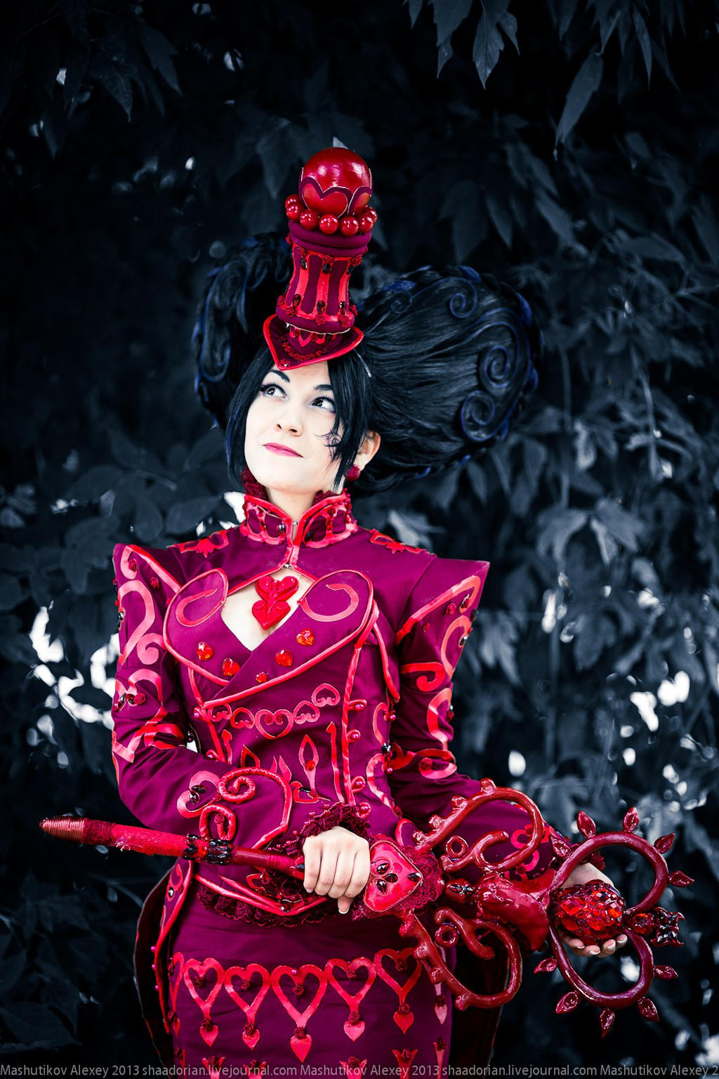 Scissors Crown - Red Queen? by ZoeVolf