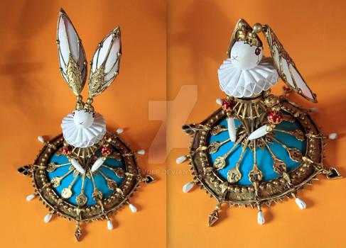 Scissors Crown - rabbit clock