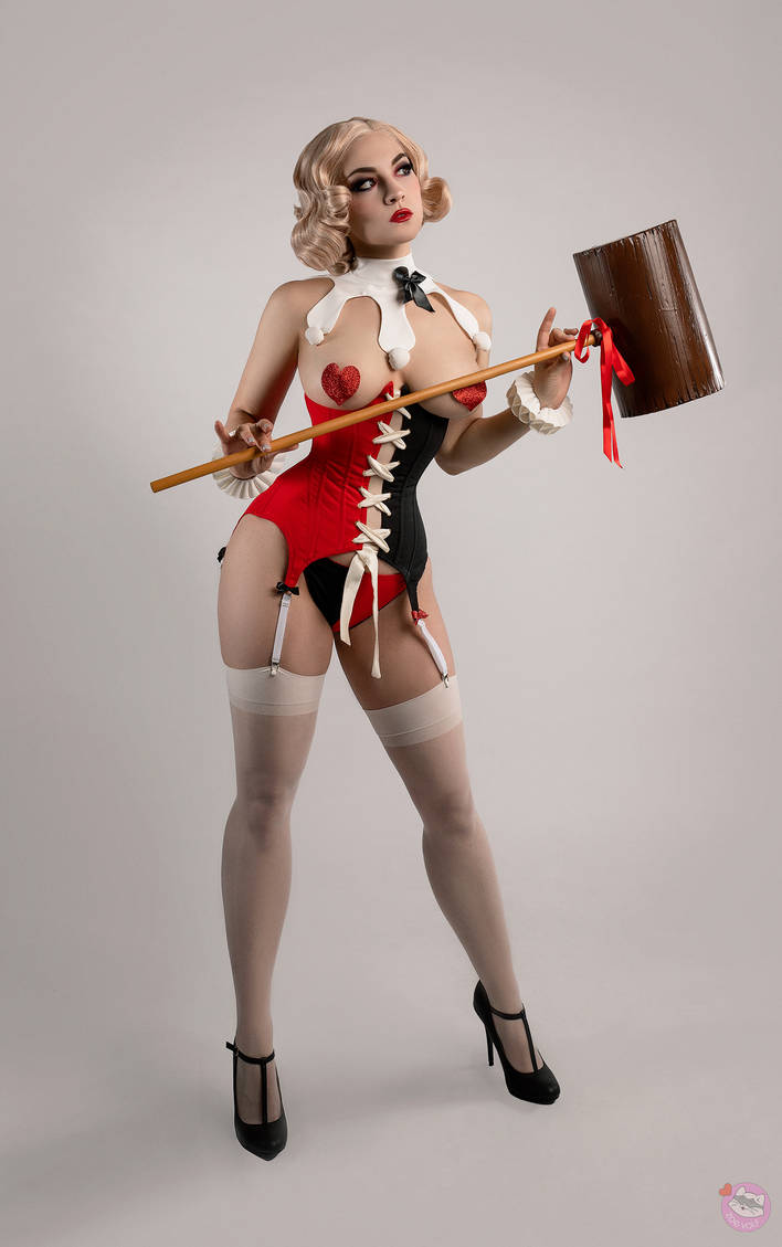 Pinup Harley Queen