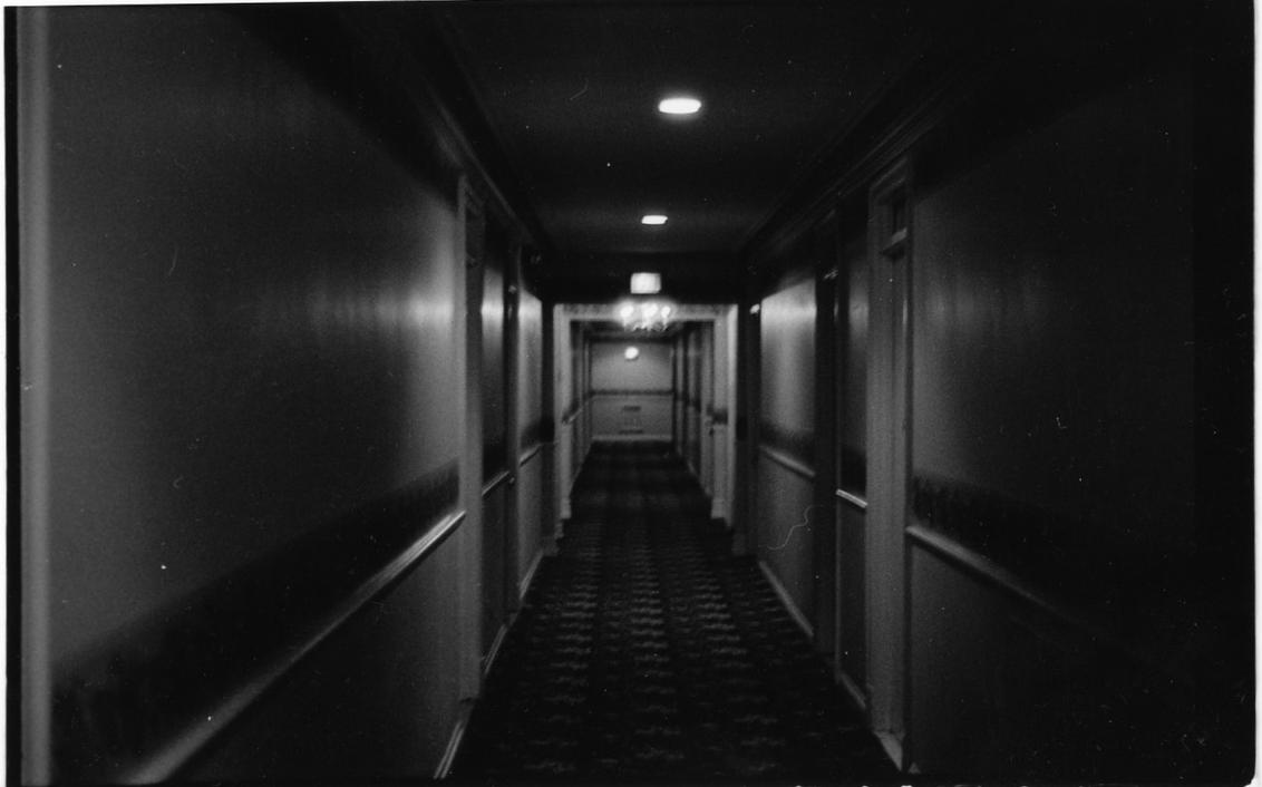 http://th00.deviantart.net/fs13/PRE/f/2007/045/4/a/My_Creepy_Hallway_by_soiherduliek.jpg