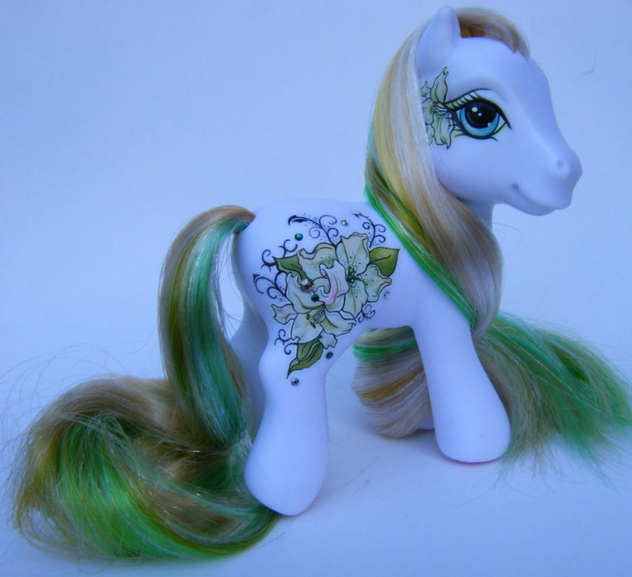 OOAK My little Pony Lilium by eponyart