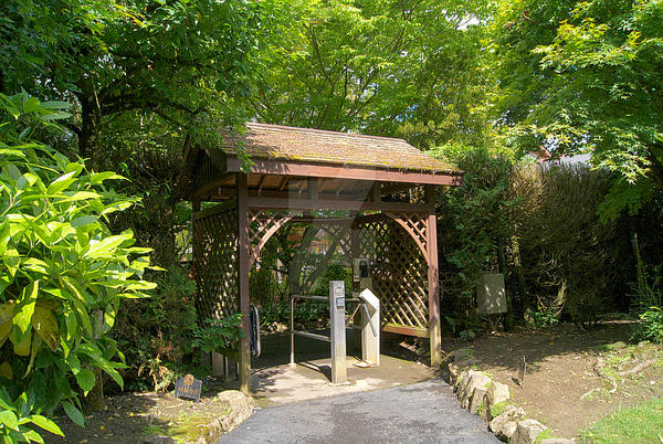 Japanese Garden Entrance by ajb-2k3
