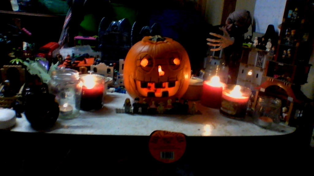 full view pumpkin by legochambersecrets