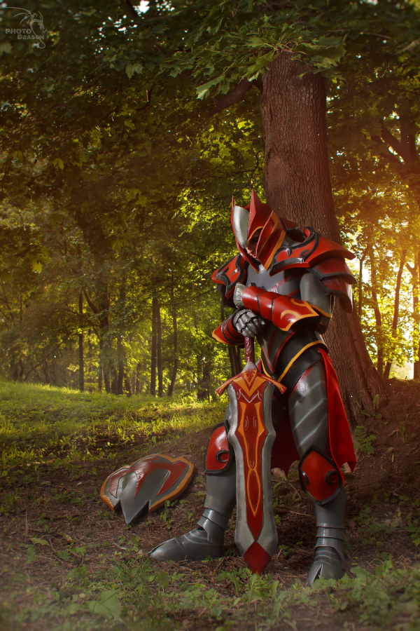 Dragon Knight Dota 2 cosplay by CharlieHotshot