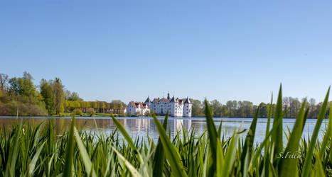 Gluecksburg castle by saeppo