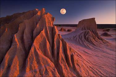 moonrise at mungo by elementality