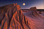moonrise at mungo