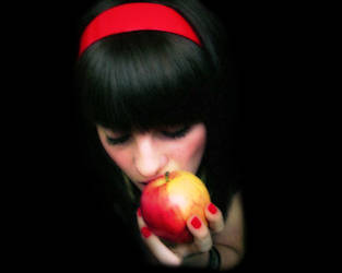RedApple by kamiste