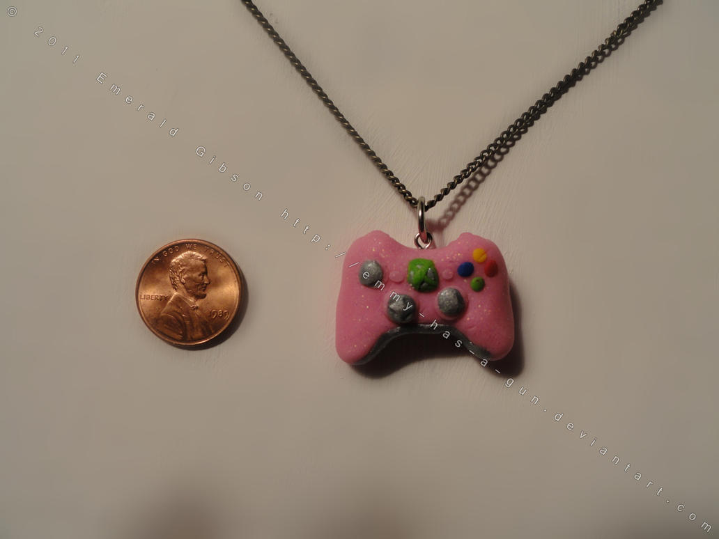 Pink Xbox 360 Controller by Emmy-has-a-Gun