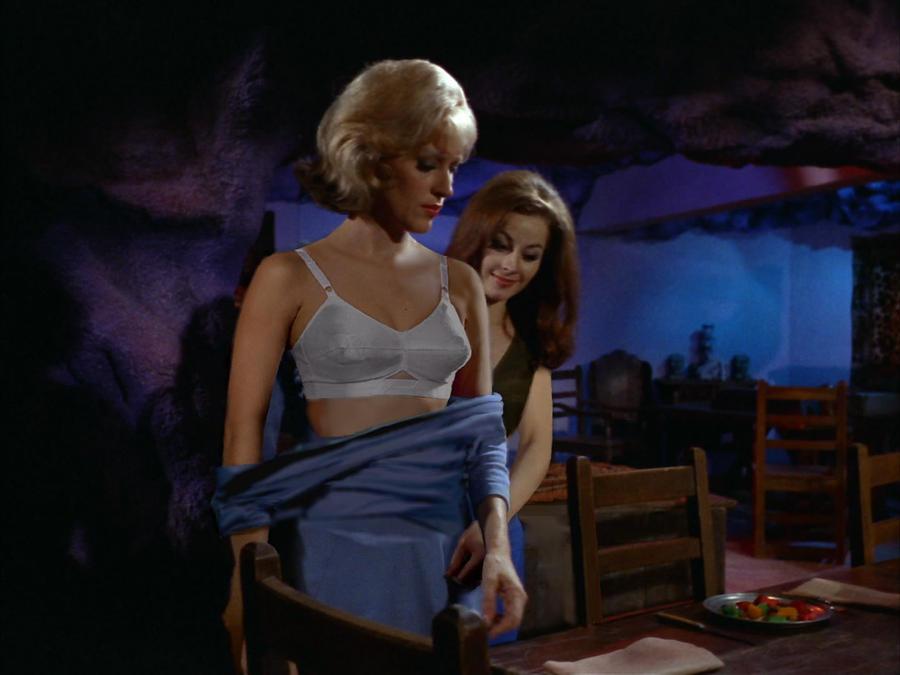 nichelle nichols nude Uhura