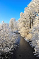 when the sky hugs the snow by kafeidou