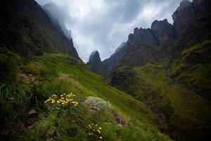 Mweni Pass by carlosthe