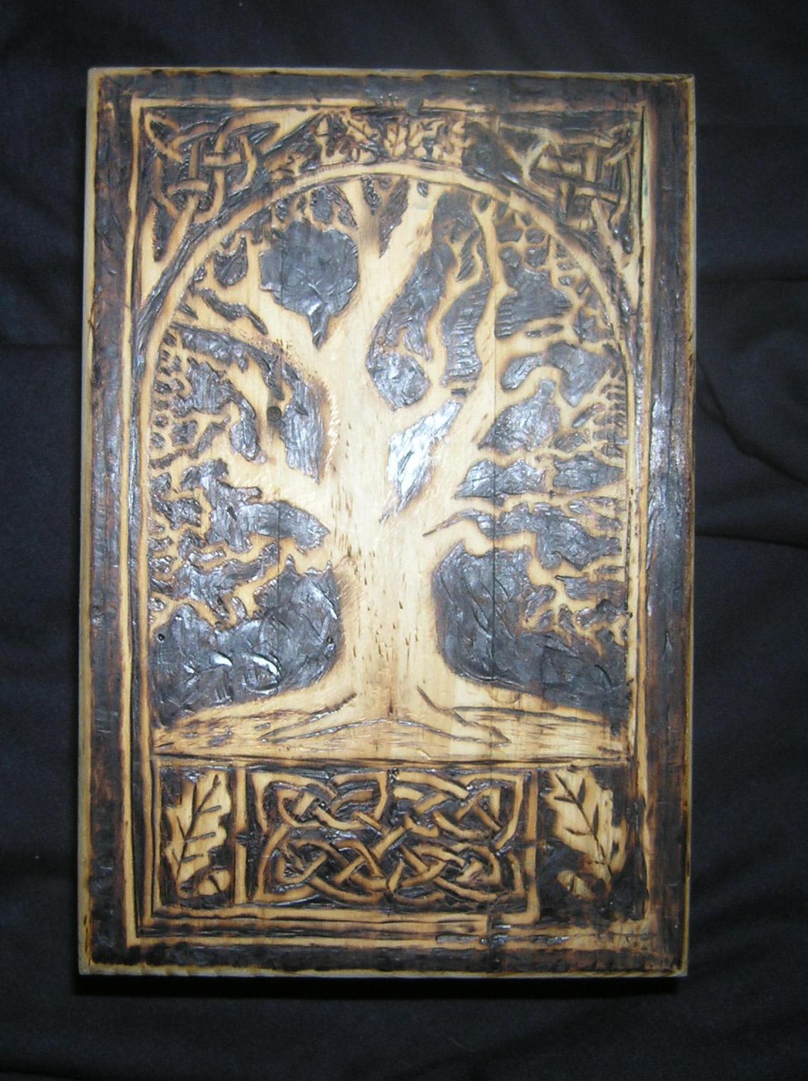 Celtic tree box by runehammer9