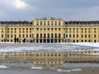 Schoenbrunn Palace by Alistanniel