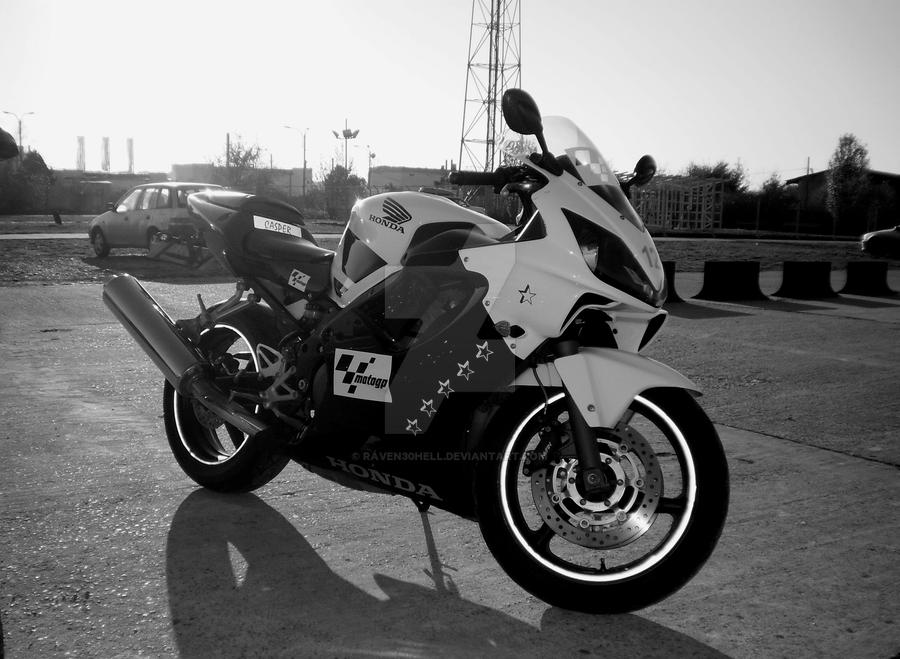 Honda CBR600f4i s by raven30hell