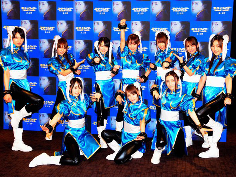 Cosplay au Japon. Le best of!!! Chun_li_clones_by_chrisnext-d54bfhq